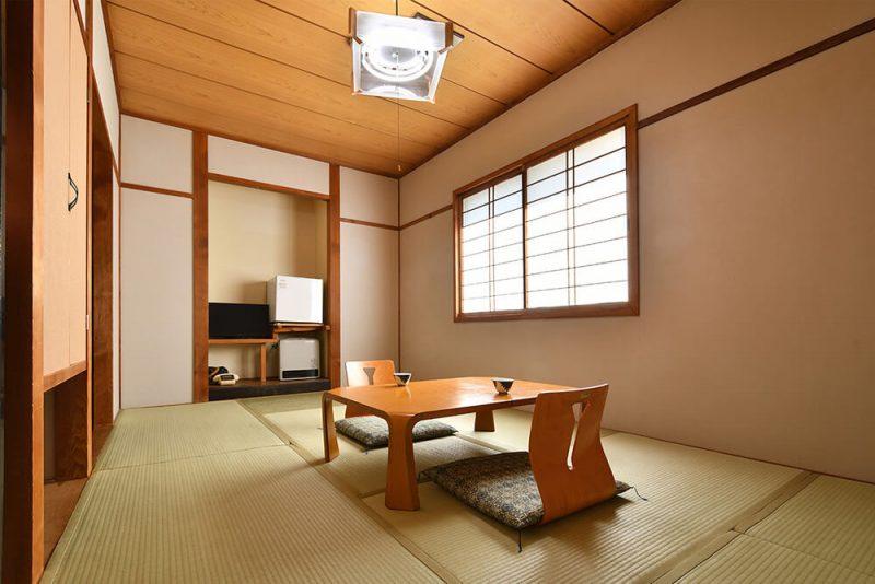 別館 和室6〜7.5畳(共同トイレ)メイン画像