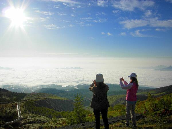 標高1,800mからの眺め 山遊びツアー